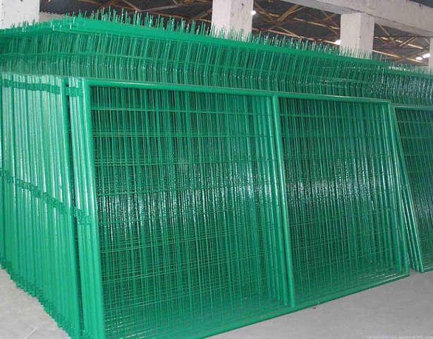 内蒙古包头高速护栏网 铁路护栏网 公路护栏网 围栏网 隔离网