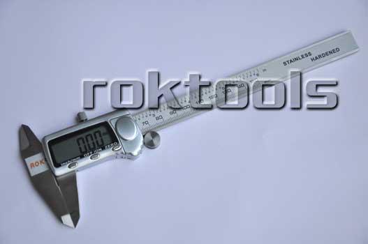 模具行業青睞的ROK數顯卡尺