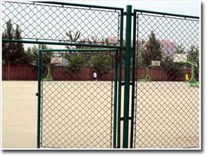 體育場學校操場護欄網小區市政鐵藝護欄網車間隔離網等