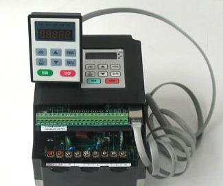 1.5千瓦变频器 雕刻机专用1.5千瓦变频器价格 日拓电子1.5KW变频调速器 通用型变频调速器