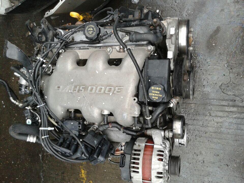 通用 凯越 汽车配件 拆车发动机 拆车缸盖 波箱高清图片