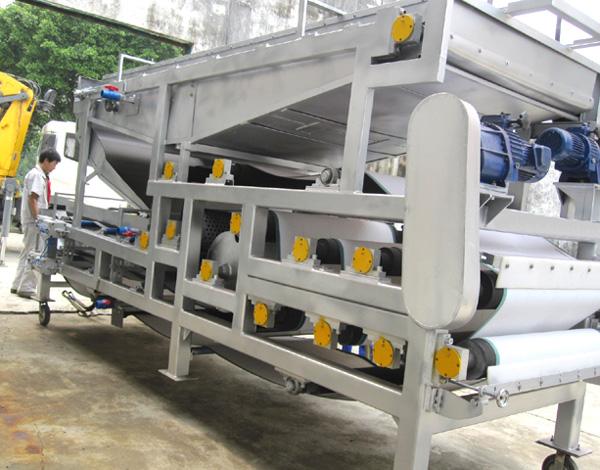 操作维护简单的污泥脱水机