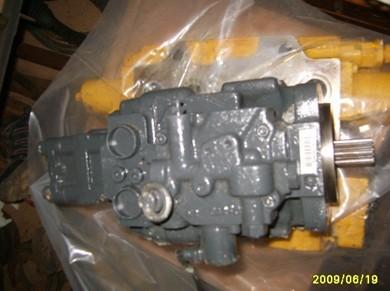 供应小松60挖掘机液压泵图片