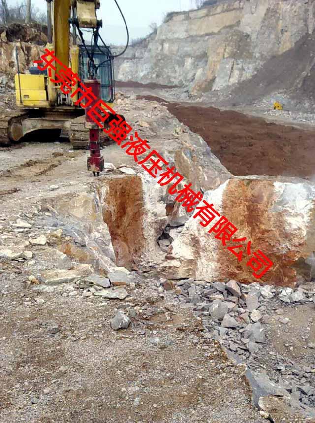 大型巖石分裂機迎合巖石開采高效率走向大型化和現代化