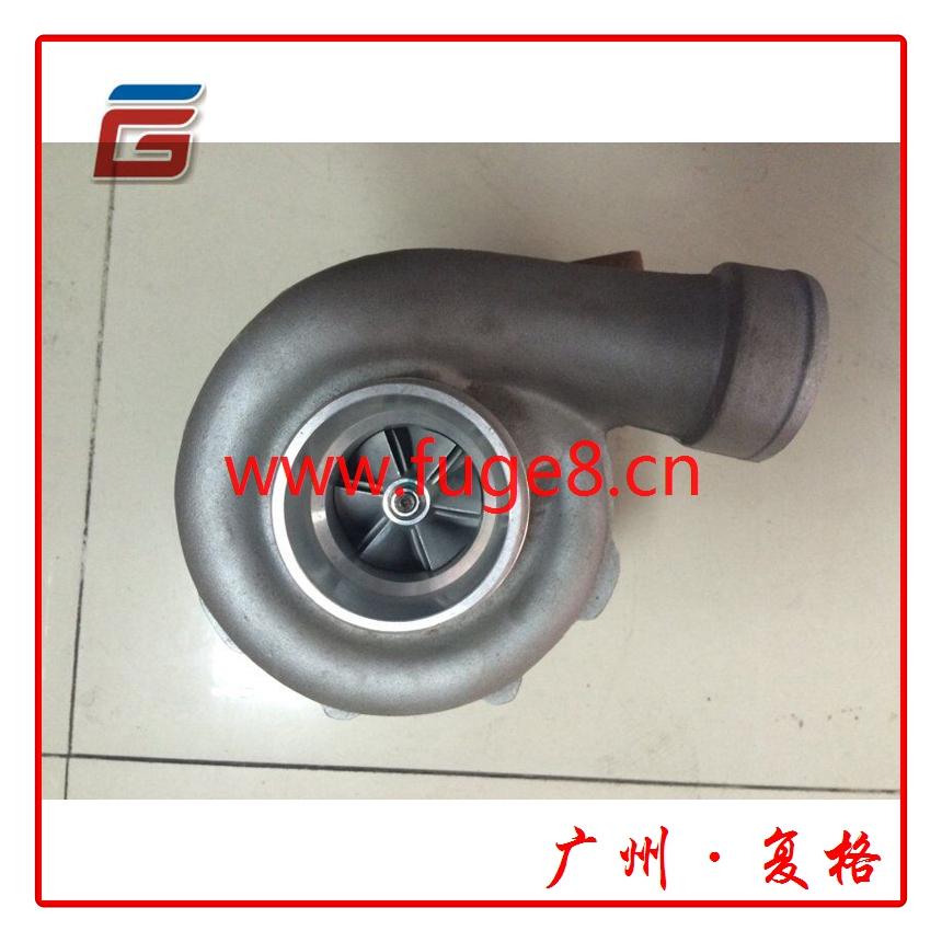 小松6D125增压器