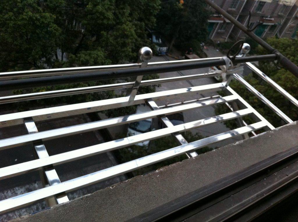 不锈钢阳台花架订做图片