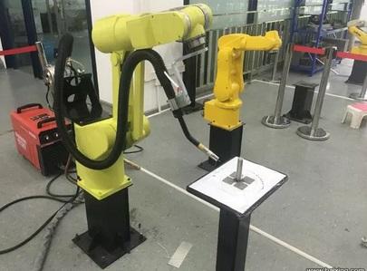 不銹鋼鋼管自動化焊接機器人廠家直供