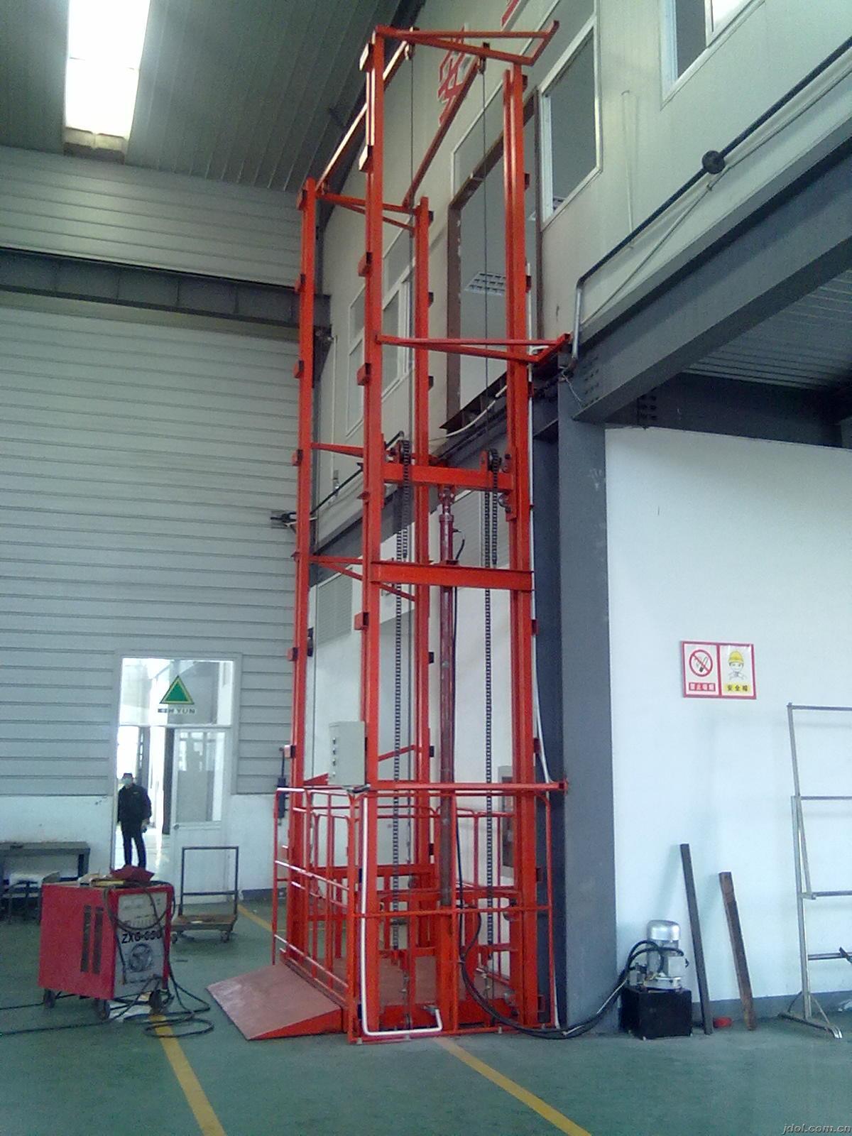 青岛市液压式货梯/导轨升降平台