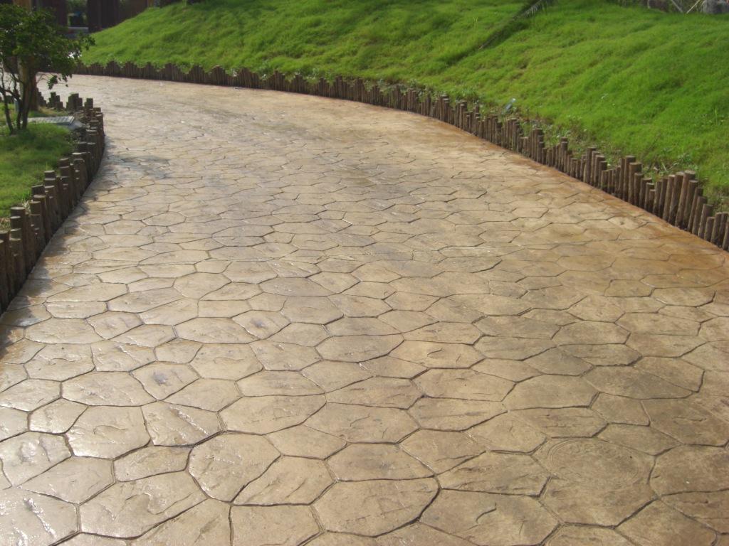 盐城压模地坪施工案例|响水混凝土艺术地坪|滨海园林景观仿石地坪