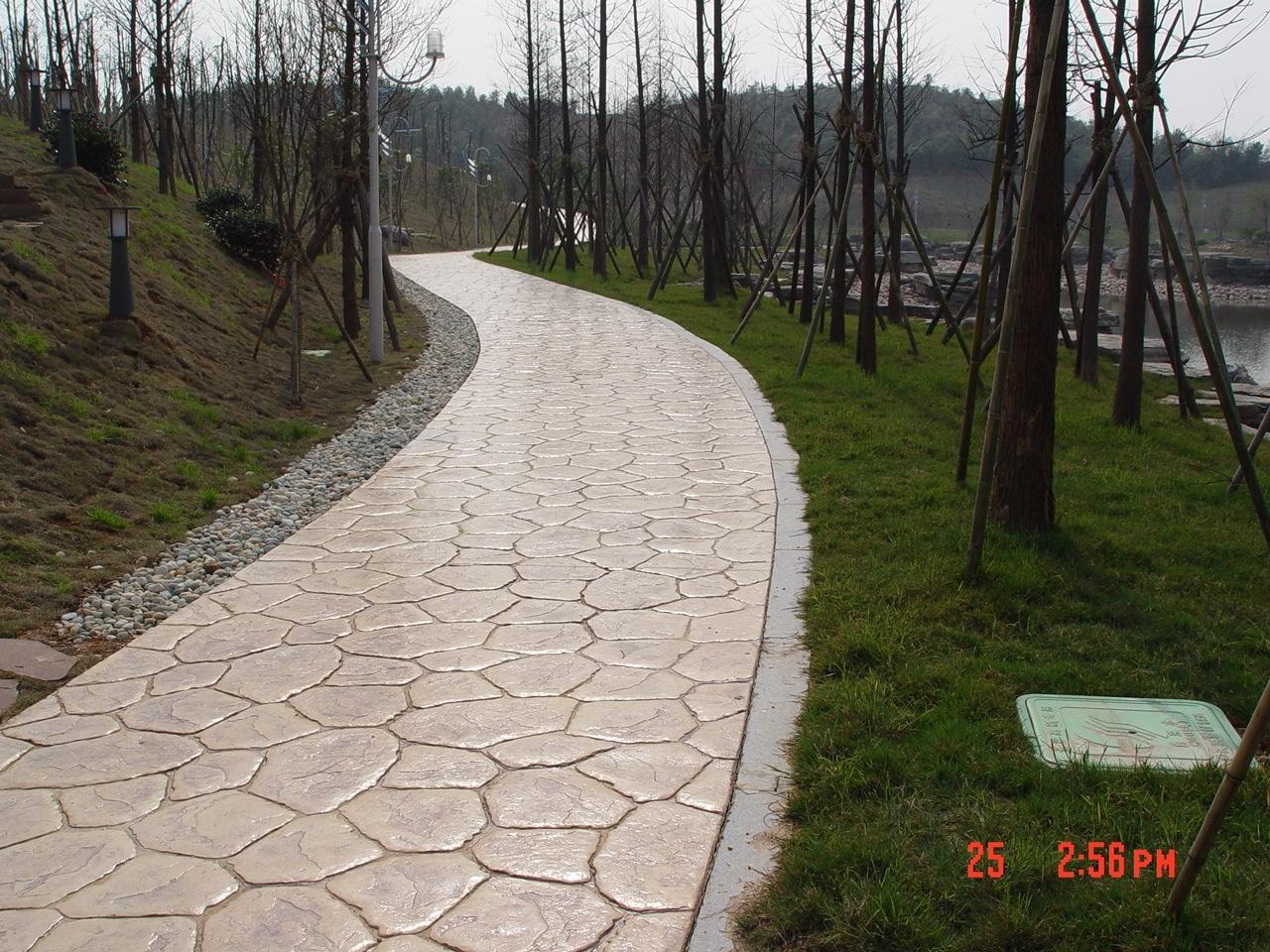 泰州耐磨压花地坪材料|兴化仿彩砖压模地坪|靖江鹅卵石压印地坪