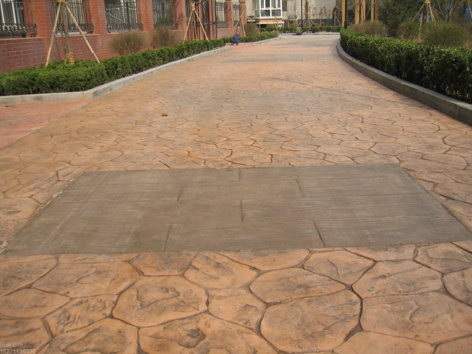 宜春压印混凝土地坪|铜鼓彩色水泥压花地坪|袁州仿木纹压模地坪