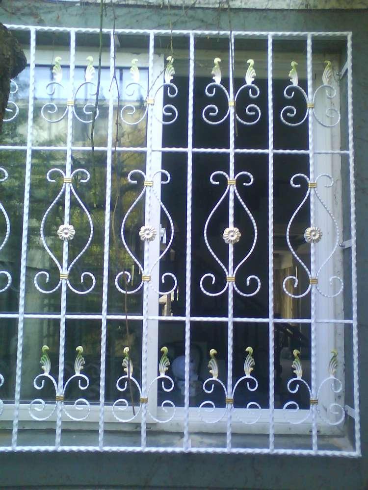 合肥厂家直销铁艺防盗窗 铁艺欧式防盗窗 铁艺中式防盗窗 各种防盗窗