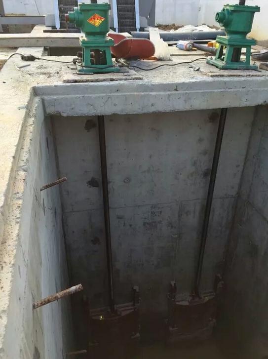 贵州黔西南州安龙水厂闸门使用寿命长、贵州黔西南州安龙台车式卷扬启闭机价格