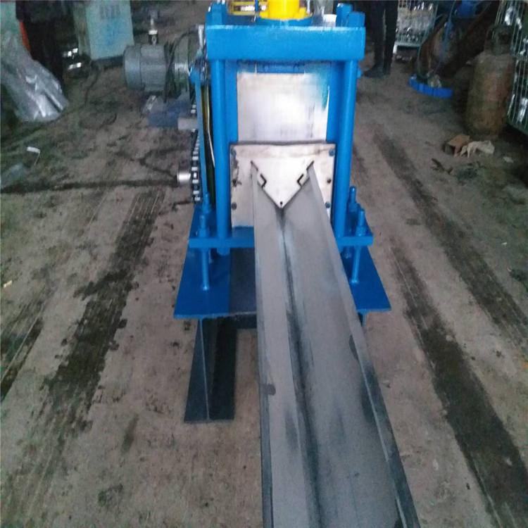 车厢护角压型设备 集装箱包角机  汽车车厢边角压型机