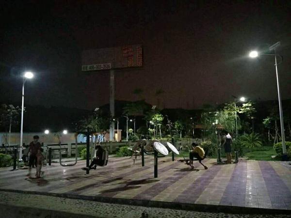 晋江太阳能路灯 晋江紫冒道路照明 晋江公园路灯