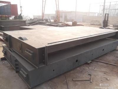 和田平面钢制闸门哪里有卖/钢制闸门每吨价格