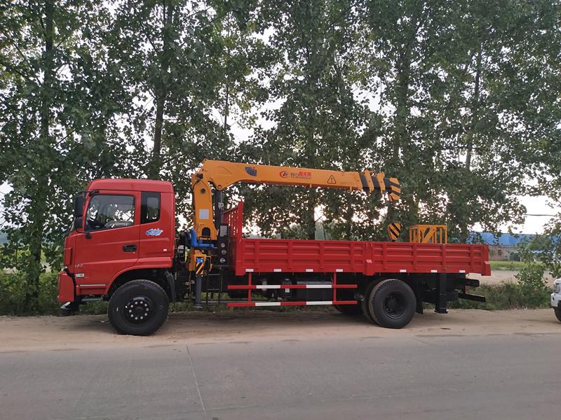 内蒙古12吨随车吊哪里有优惠