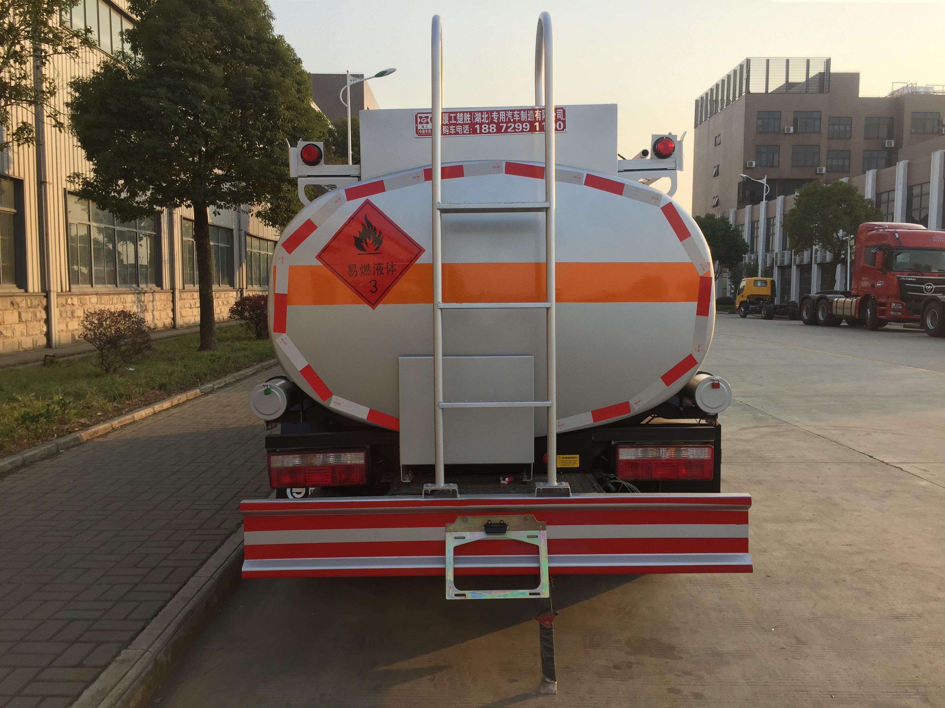 长春5吨8吨油罐车现货多少钱?