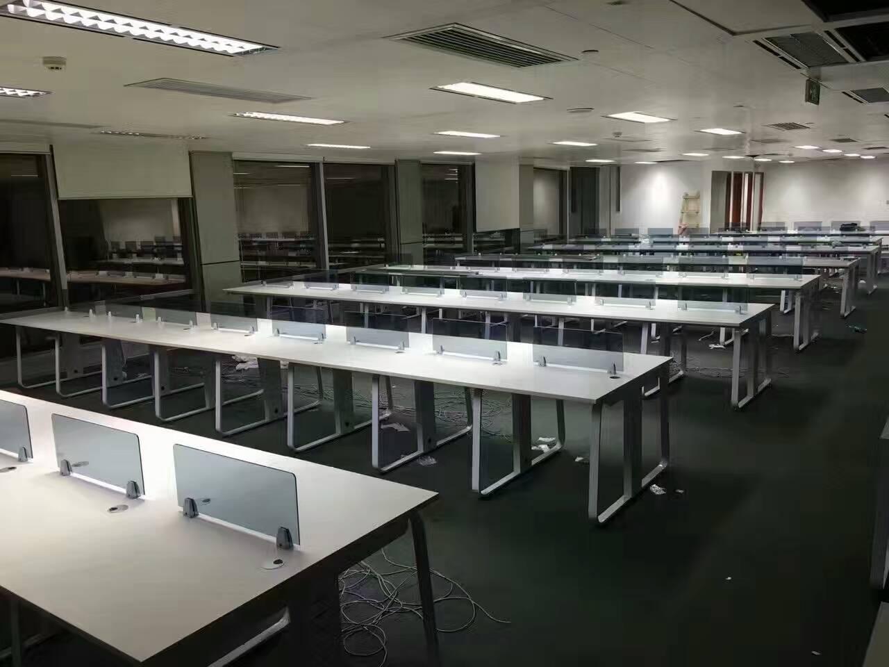 大量回收办公家具  屏风卡位 大班台 电脑空调...