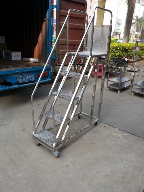专业生产不锈钢登高梯 厂家按尺寸定制 批发价