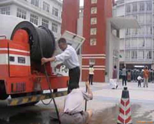 吴江同里哪有专业疏通下水道的号码?