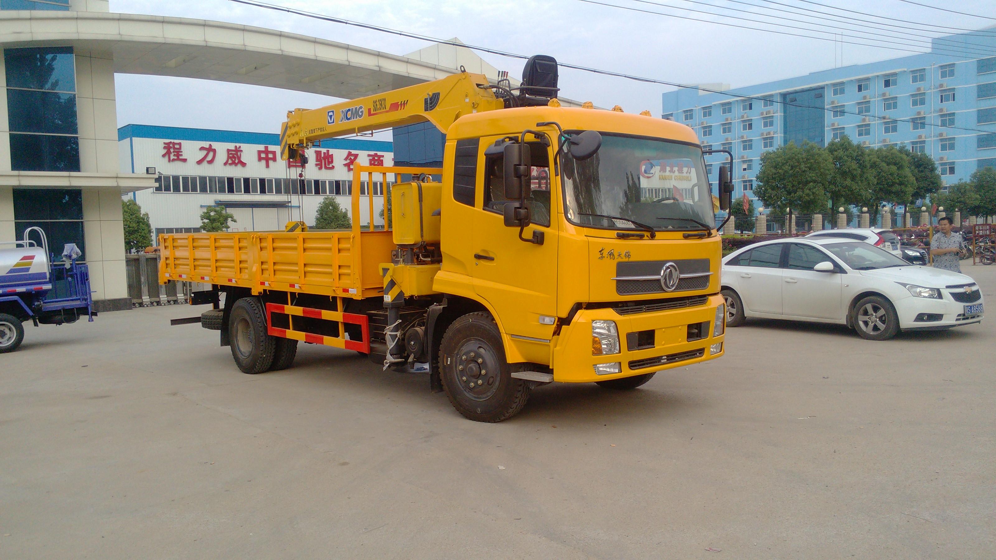 广东东莞哪里有东风多利卡随车起重运输车