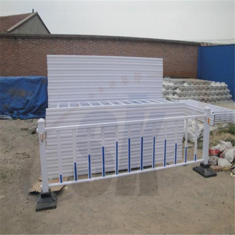 济南哪里有卖市政护栏的厂家?济南市政护栏多少钱一米?