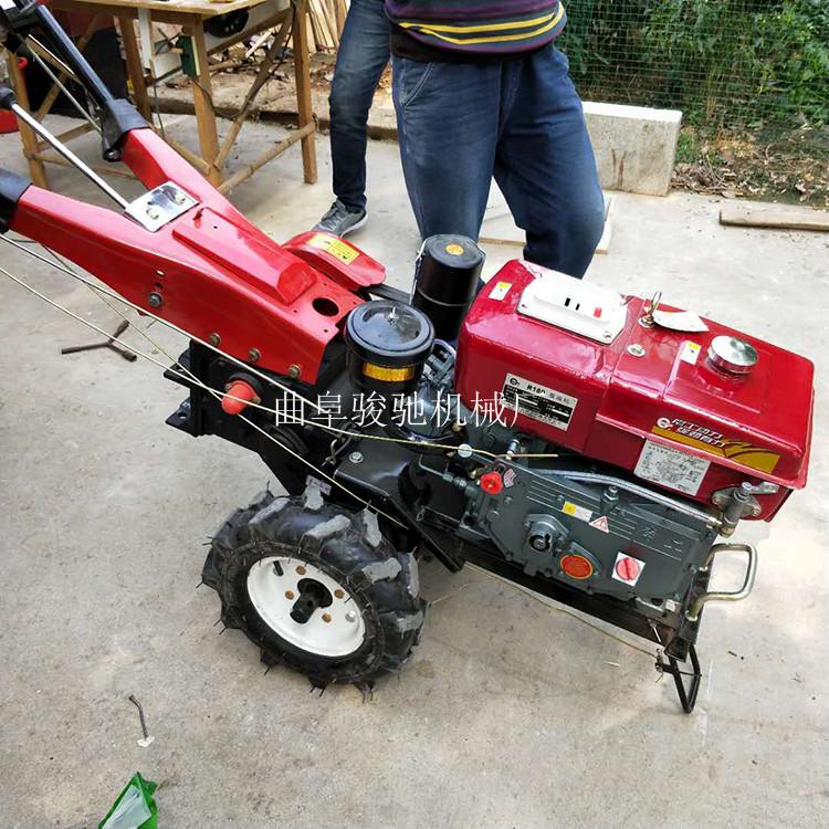 农用手扶车带动旋耕机 12马力手扶拖拉机 手扶车带动旋耕机图片