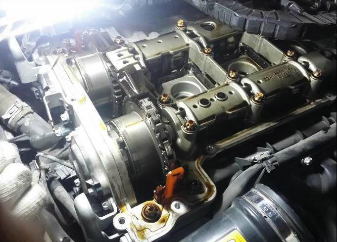 奔驰冷启动噪音大之凸轮轴维修案例