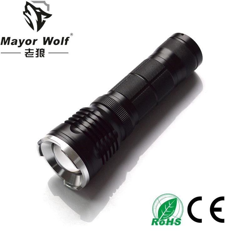 厂家批发 l2强光充电手电筒  户外防身骑行照明变焦