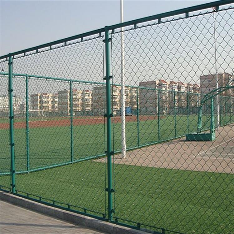 河北安平體育場圍欄網廠家 籃球場供應商 學校體育場護欄