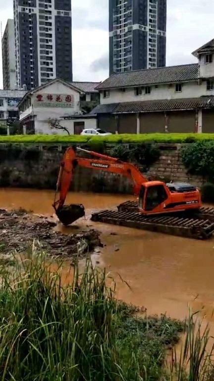 云南水陆两用挖掘机出租水陆挖掘机出租