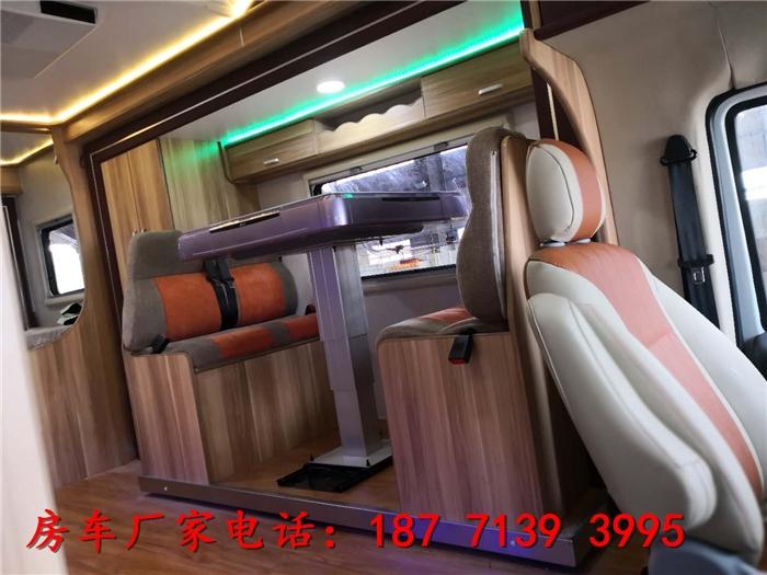 武汉18款依维柯房车多少钱一辆