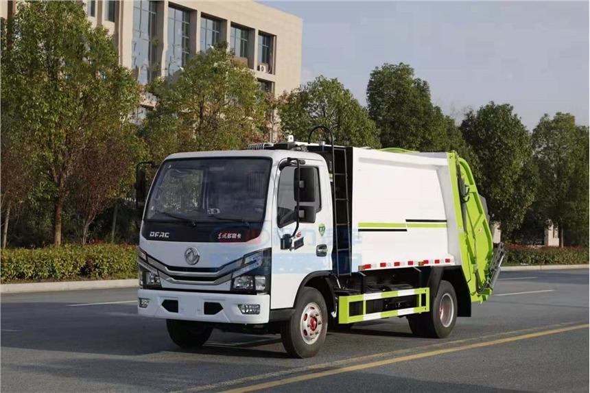 衡水東風多利卡10方壓縮垃圾車價格  國六小型藍牌掛桶壓縮垃圾車參數配置