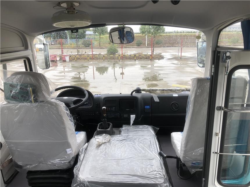 三明東風天翼客車 小型中級6米豪華中巴車