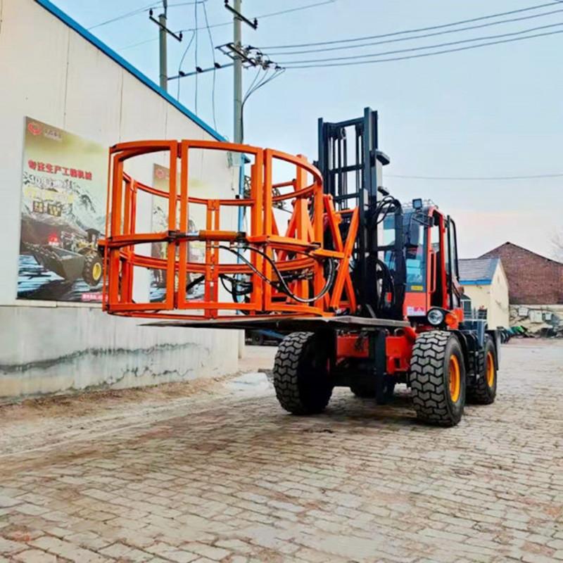 大型越野叉车 叉车夹包机 安装钢丝轮胎