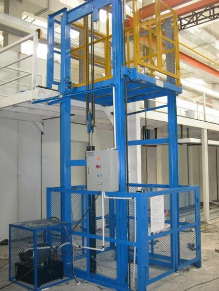 车间三层四层货梯升降机-孝感车间三层四层货梯升降机出厂价格认准泰钢
