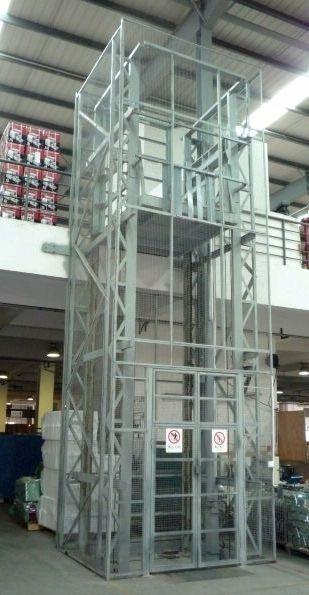 工厂导轨升降货梯-恩施工厂导轨升降货梯免费发货认准泰钢