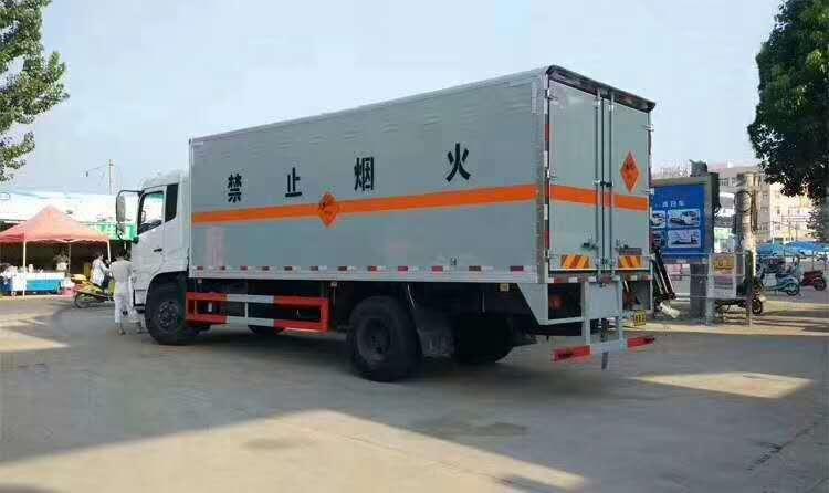 黑龙江佳木斯厢式危险品车采购厂家