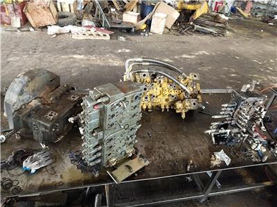 貴定縣小松PC130-8M0挖掘機動臂無力專業修理廠