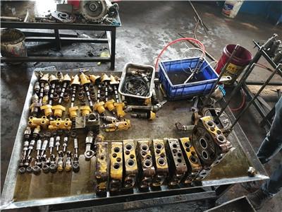 寧鄉縣小松PC230LC-8N1挖掘機抬大臂無力搶修廠