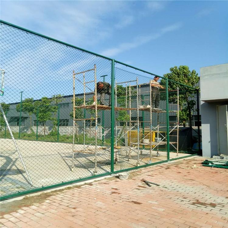 岳陽體育球場圍欄護欄網廠家 5足球場圍欄網隔離網價格