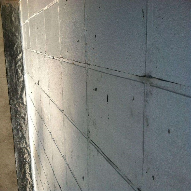 施工工艺流程 工艺流程:基层找平—管根墙孔堵孔,固定—基层清理—弹