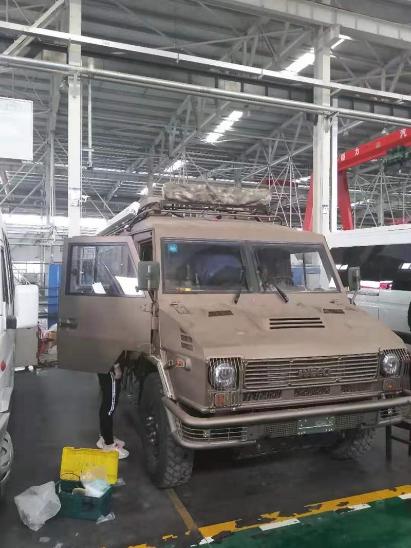 大通V90房车指挥车改装车家在房车改装厂家生产厂家价格