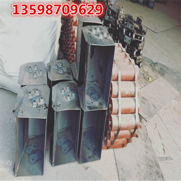 630的挖斗尺寸图-630mm宽提升斗皮带料斗参数介绍