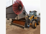 前進式掃路機 工業廠區掃地機 裝載機安裝清掃器價格ZYJ內蒙古
