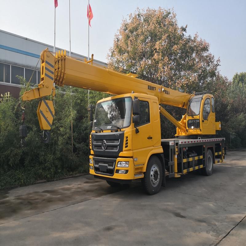 國六10噸吊車配置 凱馬12噸吊車