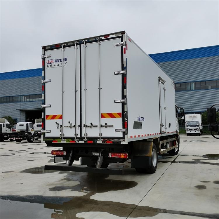 重汽汕德卡生鮮冷藏車 保鮮運輸車配置多少錢 今后無憂