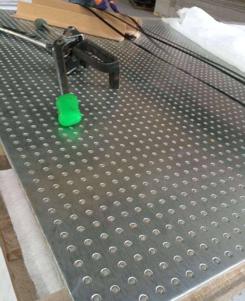 山東纖維增強復合鋼板抗爆板廠家批發價格是多少?化工廠抗爆墻采用多厚的抗爆板