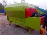 新疆畜牧粉料攪拌機 自動拌料機 可定做9立方牽引式TMR